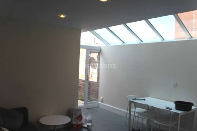 Thumbnail Terraced house to rent in Crwys Rd, Cathays