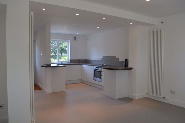 Flat to rent in Birmingham Road, Allesley Village, Coventry
