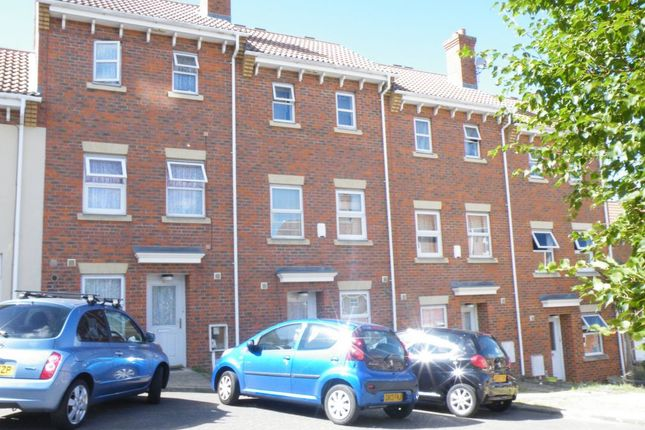 Thumbnail Town house for sale in Hannah Close, Chatham