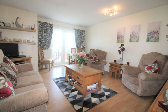 2 bed flat for sale in Vine Lane, Birmingham B27