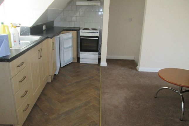 Thumbnail Terraced house to rent in New Bell Lane, Wisbech