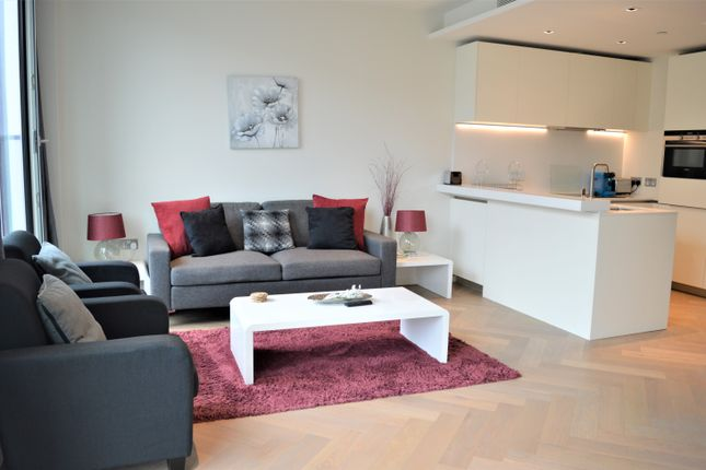 Flat to rent in Upper Ground, Blackfriars