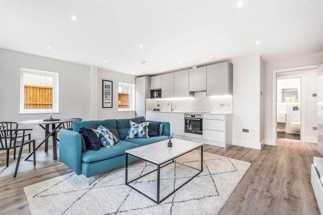 Studio for sale in Bourne House, Beansheaf Grange, Old Grange Close, Calcot, Reading RG31