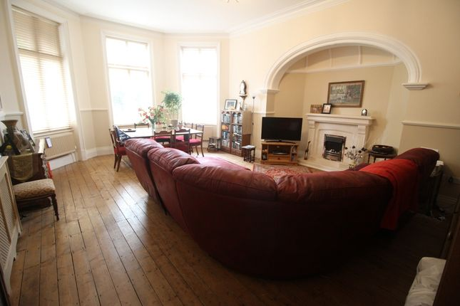 Thumbnail Flat for sale in Hartfield Road, Upperton, Eastbourne