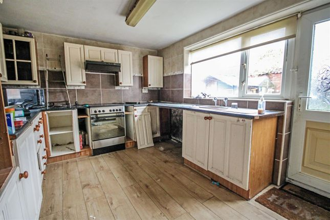 Kitchen of Chapel Lane, Keadby, Scunthorpe DN17