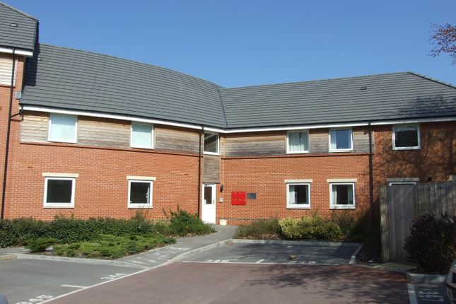Thumbnail Flat to rent in Chain Court, Old Town, Swindon