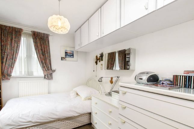Thumbnail Flat for sale in Coopers Lane, London