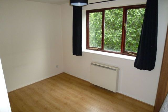 2 bed flat to rent in Boarshaw Clough Way, Middleton, Manchester