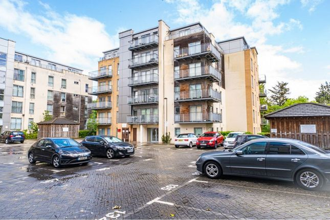 2 bed flat for sale in Fortune Avenue, Edgware HA8