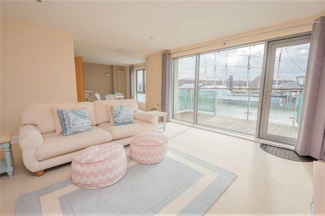 Thumbnail Flat to rent in Hotwell Road, Bristol