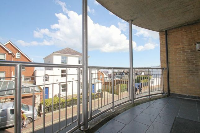 Thumbnail Flat to rent in Birmingham Road, Cowes