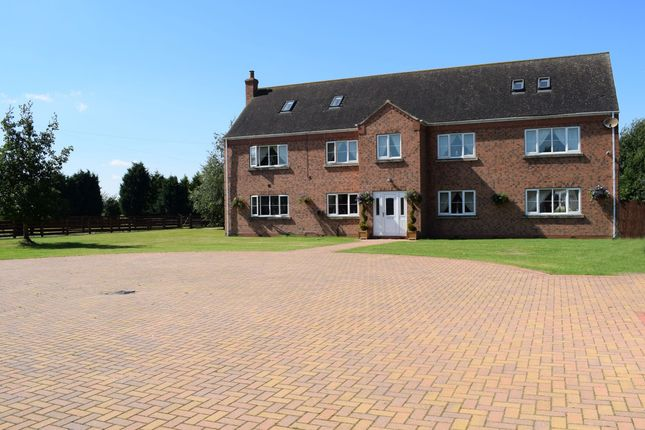 Thumbnail Detached house for sale in Godnow Bridge, Crowle, Scunthorpe