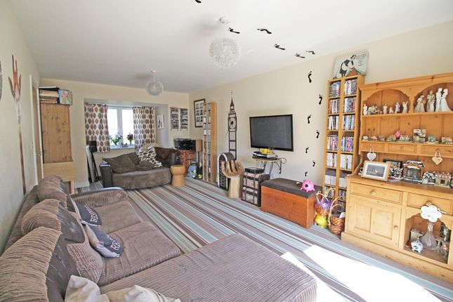 Property For Sale In Admiral Way Exeter
