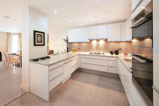 Thumbnail Flat to rent in Kew Bridge Road, Kew Bridge, Brentford