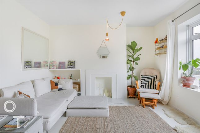 Thumbnail Flat to rent in St. Albans Villas, London