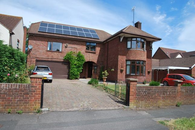 Thumbnail Detached house for sale in Estcourt Road, Gloucester