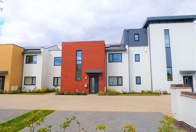 Thumbnail Flat to rent in Exeter Road, Topsham, Exeter