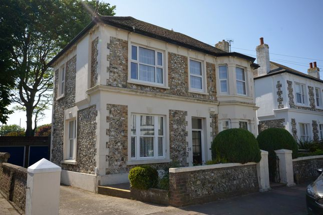 Thumbnail Flat to rent in Maderia Avenue, Worthing