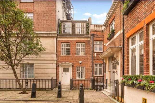 Flat to rent in Hallam Street, London