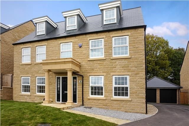 Thumbnail Detached house for sale in Woodsley View, Leeds