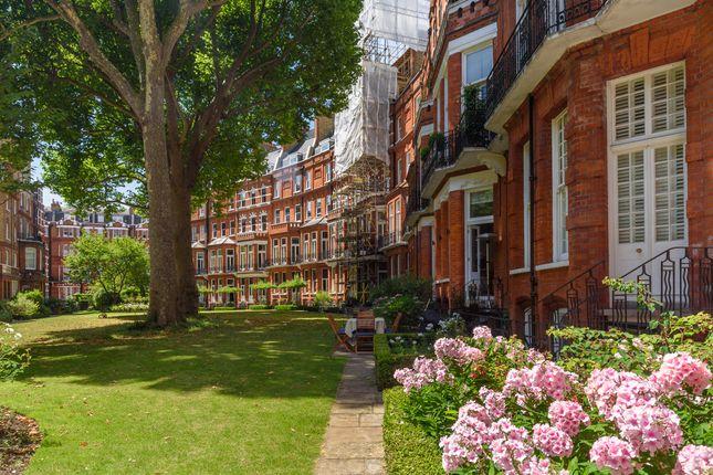 Thumbnail Flat for sale in Egerton Gardens, Knightsbridge, London