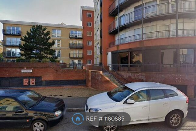 Thumbnail Flat to rent in Regal House, Ilford