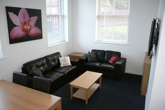 Thumbnail Flat to rent in St David's Hill, Exeter