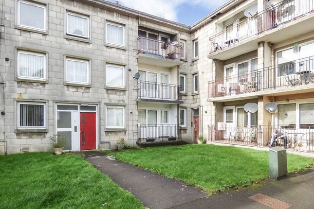 Thumbnail Flat for sale in Thornhill, Johnstone