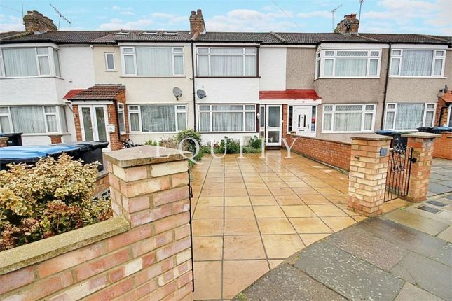 Thumbnail Terraced house for sale in Clydesdale, Enfield