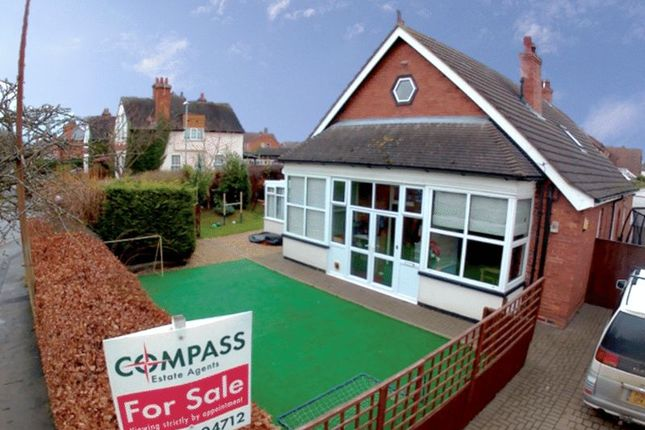 Thumbnail Detached bungalow for sale in Victoria Road, Louth