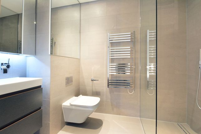9 Bathroom 1 of Principal, Worship Street, London EC2A
