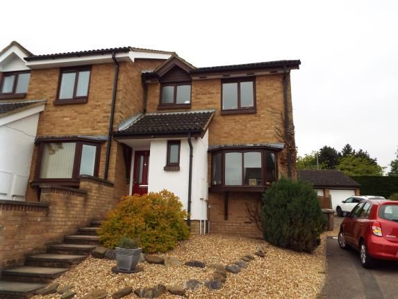 3 bed semi-detached house for sale in Reeds Dale, Luton, Bedfordshire