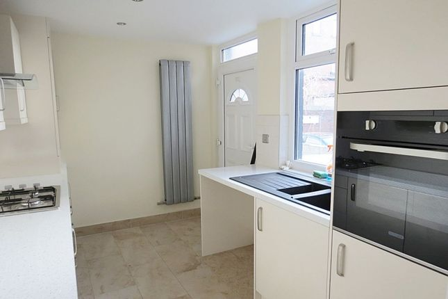 Thumbnail Terraced house to rent in Markham Avenue, Leeds