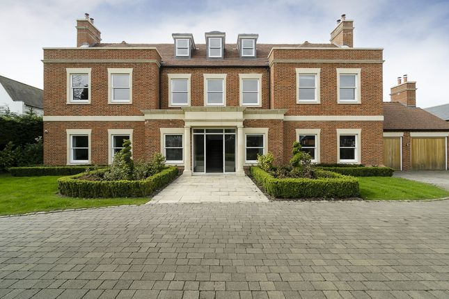 Thumbnail Detached house to rent in Broad Walk, London