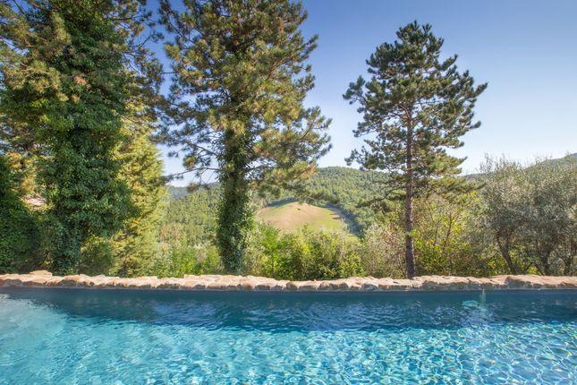 Borgo Ospicchio, Racchiusole, Perugia, Swimming Pool And Surround