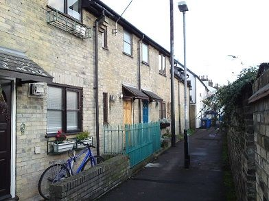 Thumbnail Terraced house to rent in Orchard Street, Cambridge