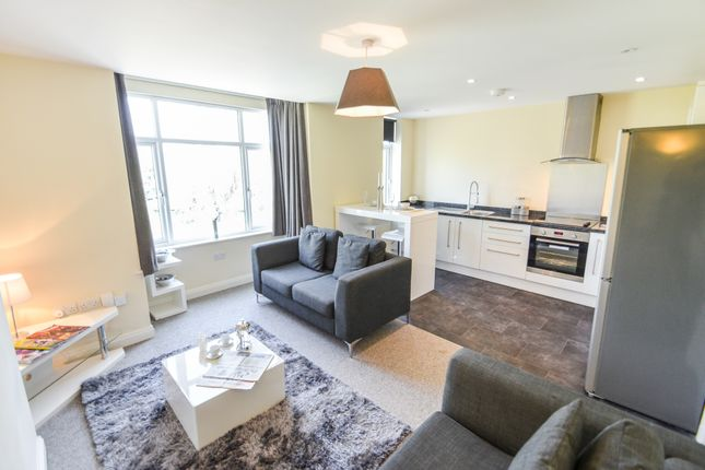 Thumbnail Flat for sale in The Swans, Radcliffe Road, West Bridgford