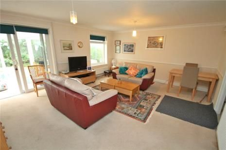Picture No. 11 of Royal Drive, Epsom KT18