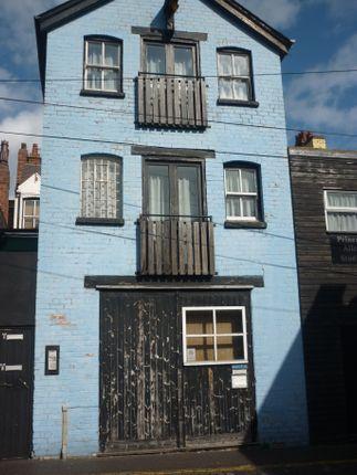 Studio to rent in Princess Alley, Wolverhampton
