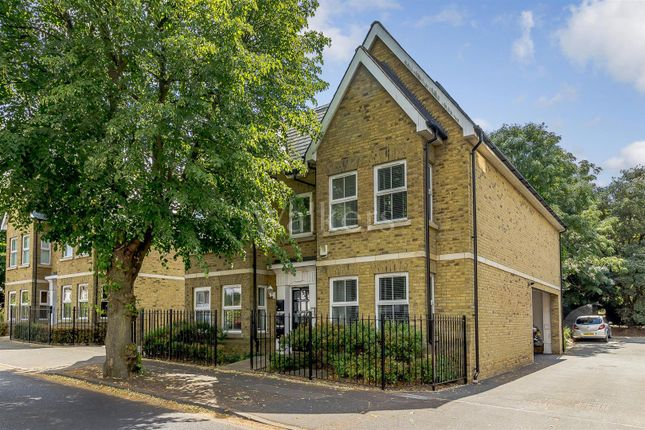 Thumbnail Flat for sale in Avenue Road, Brentwood