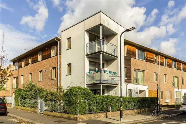 Thumbnail Flat for sale in Steele Road, London