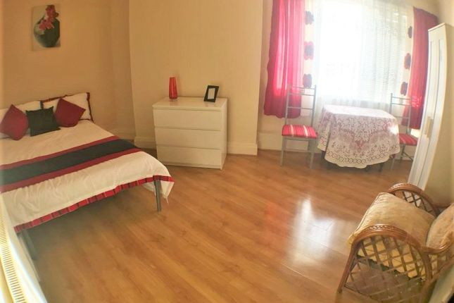 Thumbnail Room to rent in Tong Road, Leeds
