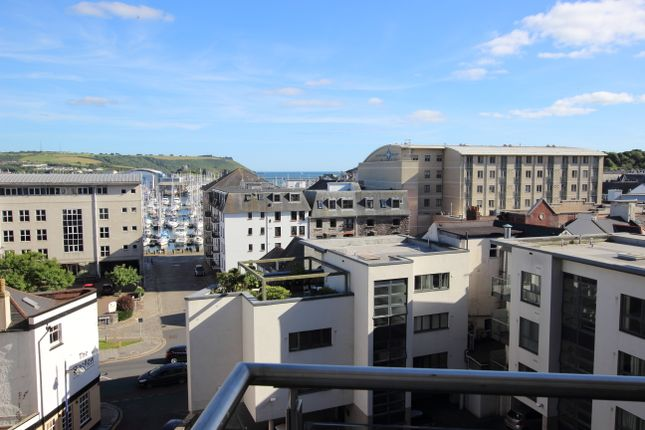 2 bed flat to rent in Exeter Street, Plymouth
