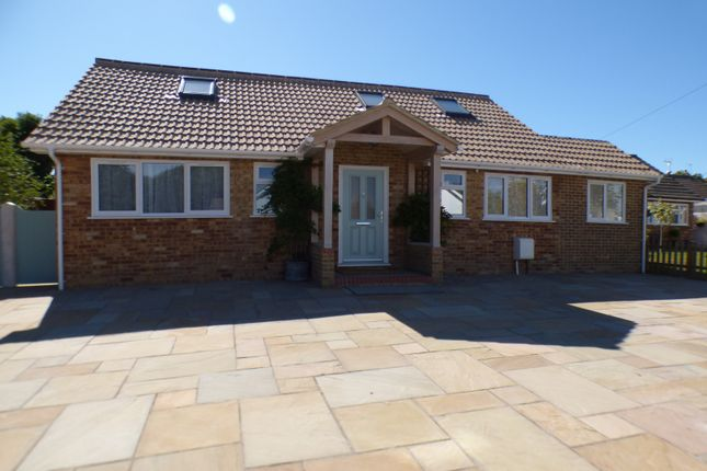 Thumbnail Bungalow for sale in Springfield Close, Potters Bar