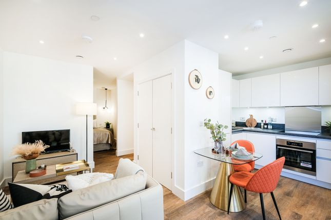 Studio for sale in Mill Mead, Staines-Upon-Thames TW18