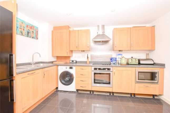 Picture No. 06 of Catalonia Apartments, Metropolitan Station Approach, Watford, Hertfordshire WD18