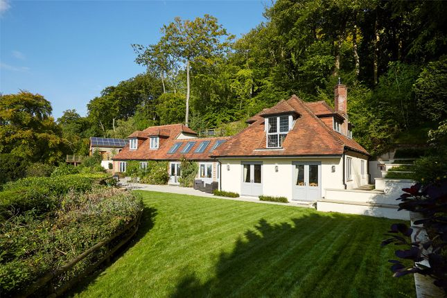 Thumbnail Detached house for sale in Chinnor Hill, Chinnor, Oxfordshire