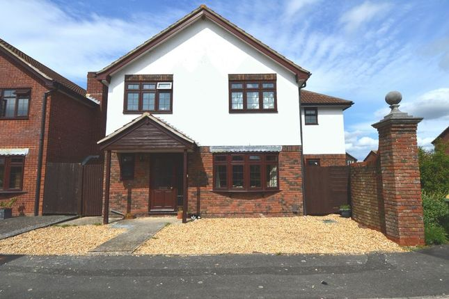 Thumbnail Detached house for sale in The Oakes, Stubbington, Fareham