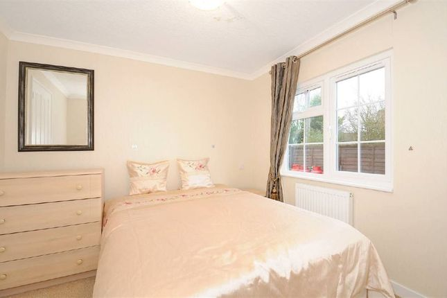 2 bedroom property for sale in Park Square, Cranbourne Hall, Winkfield, Windsor