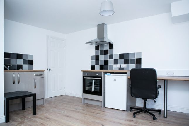Thumbnail Flat to rent in Fraser Road, Portsmouth